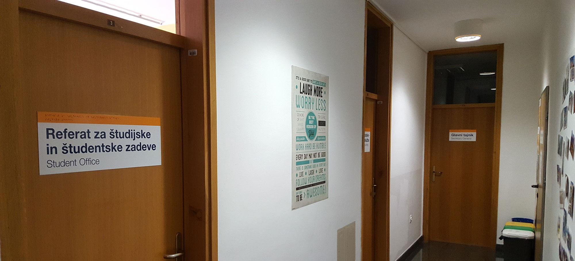 Fakulteta FUDŠ v Novi Gorici, table z brajico