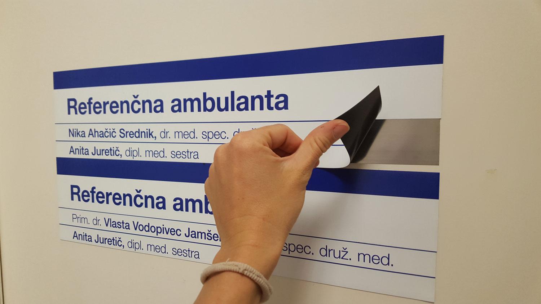 Označevalne table v Zdravstvenem domu Šempeter